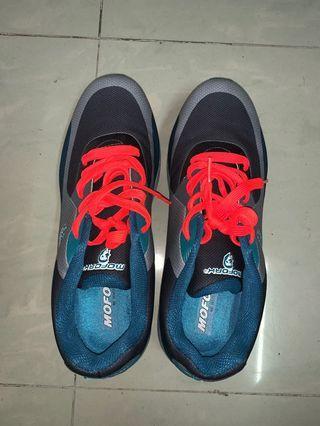 MOFORK波鞋43碼