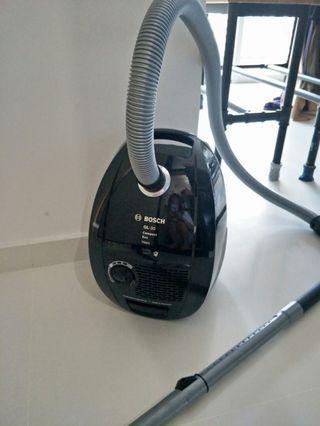 🚚 Bosch vaccum cleaner GL30