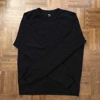 Uniqlo crew neck sweater