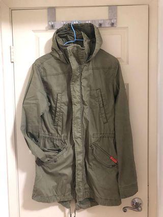 🚚 Superdry 購於倫敦限量款-長版軍綠外套