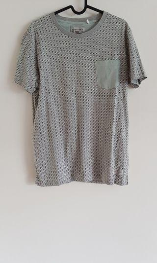Men's Grey and Green Patterned T-Shirt