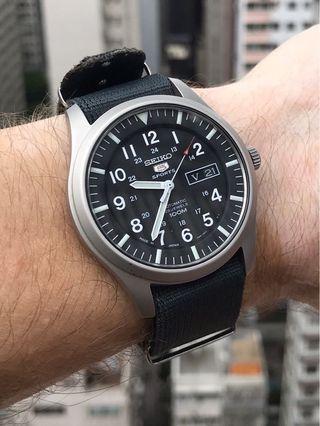 Seiko SNZG15 Seiko 5 Automatic Black Dial Stainless Steel