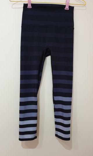 🚚 K-deer signature stripes leggings