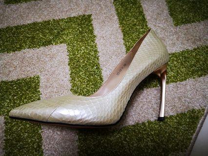 White Snake skin embossed leather heels