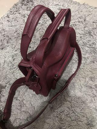 Kaynn sorra sling bag midi leather maroon