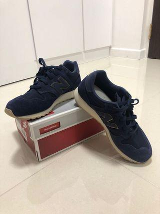 New Balance Classic Traditionnels in Navy Blue