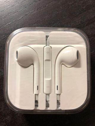 🚚 iPhone 配的 耳機 (全新未拆過)