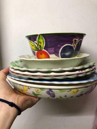 🚚 日式美耐皿碗盤數個
