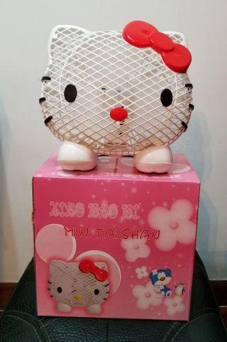 Hello Kitty 坐枱風扇
