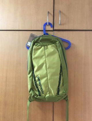 (*包郵)Patagonia綠色背囊(100%全新!)
