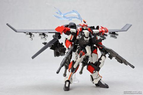 Revoltech 107 ARX-8 Laevatein with XL-3 Booster 海洋堂 山口式 驚爆危機 最終決戰仕樣