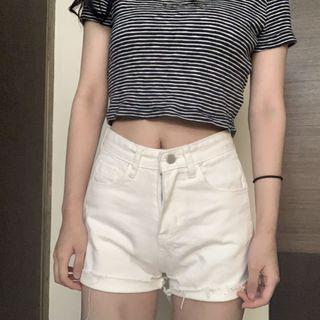 🚚 白色高腰丹寧短褲
