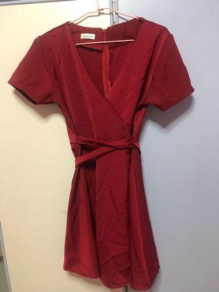 🚚 Wine red wrapped dress