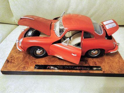 保時捷 Porsche 1:18模型車一架