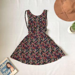 sideboob floral dress