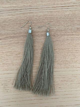 🚚 Tassel Earrings