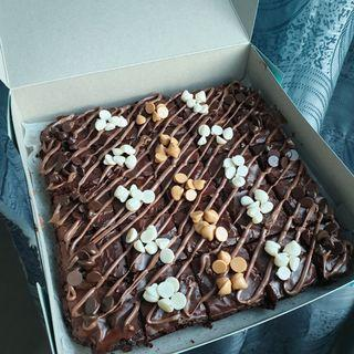 Brownies kedut with nutella + chochip topping