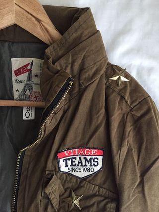 Army Green Vintage-style Jacket with Hoodie