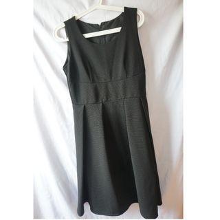 Black elegant dress黑色優雅連身裙