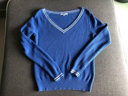 Women knitted long sleeve
