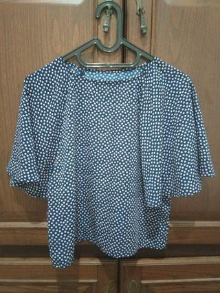 Batwing blouse navy with polkadots