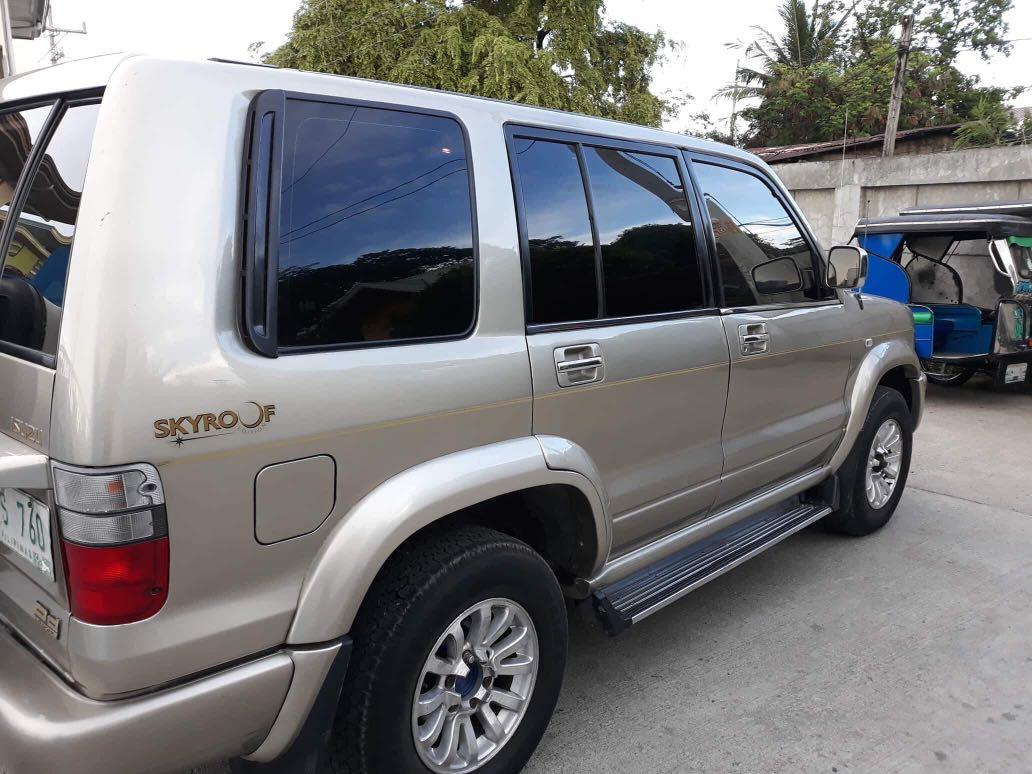 2003 Isuzu Trooper SKYROOF EDITION