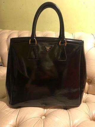 Prada Bag. 85% new