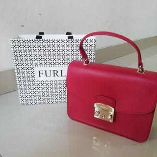 Furla Metropolis Top Handle S in Ruby Red