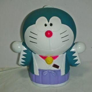 aaL皮1商旋.(企業寶寶公仔娃娃)近全新少見穿日本武士裝哆啦A夢(Doraemon)寶寶/存錢筒/撲滿!/6房樂箱117/-P