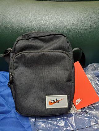 Nike Classic shoulder bag
