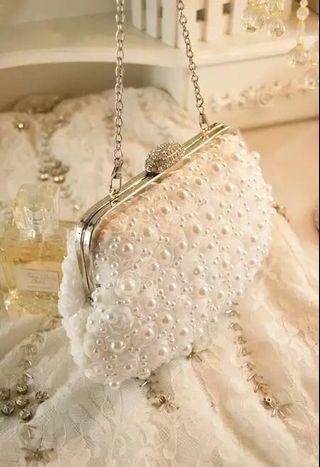 2018新款珍珠女包水钻花朵手拿包链条手提斜跨包蕾丝伴娘包宴会包