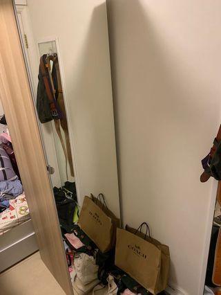 ikea鏡面衣櫃