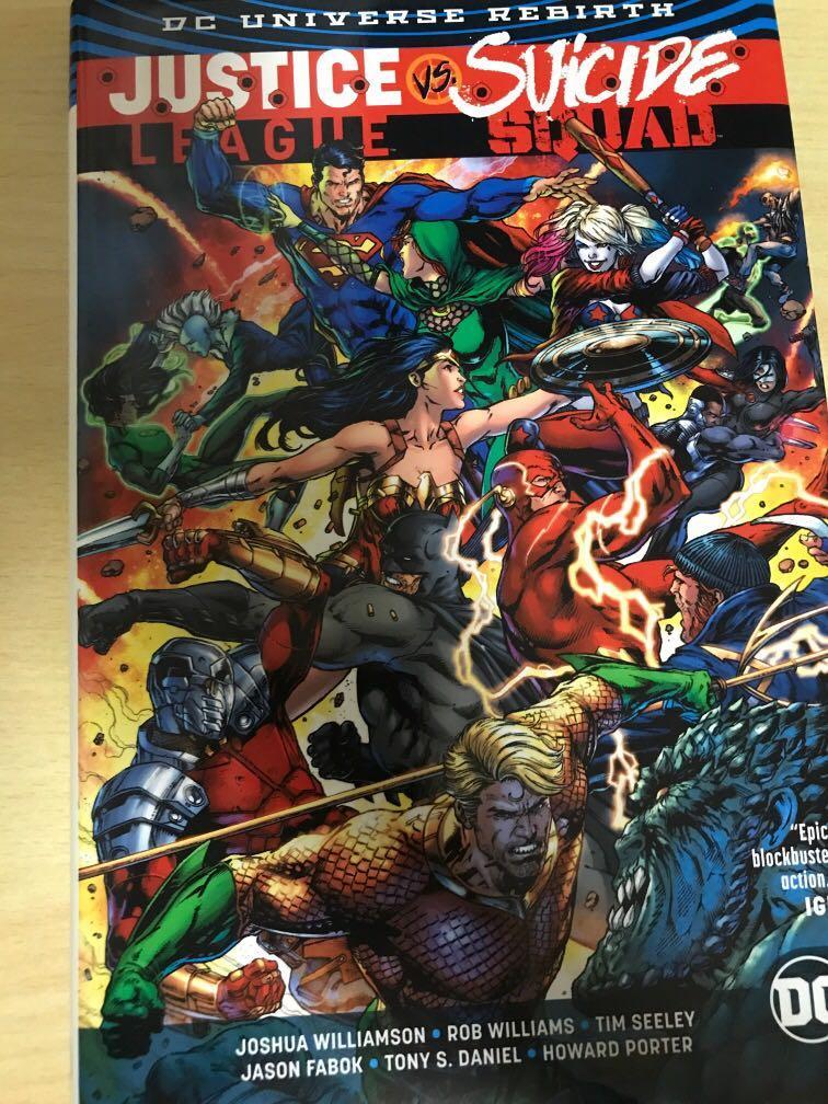 DC comics: Justice League Vs Suicide Squad