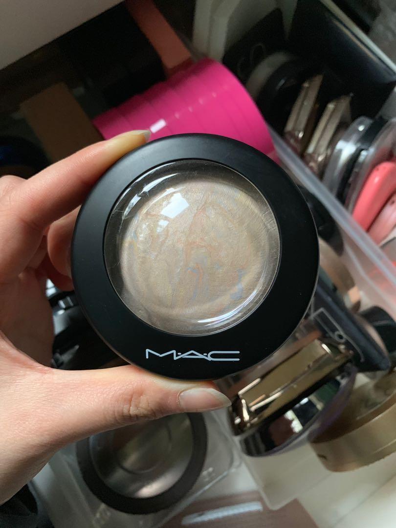 MAC Mineralise Skinfinish Highlighter - Lightscapade