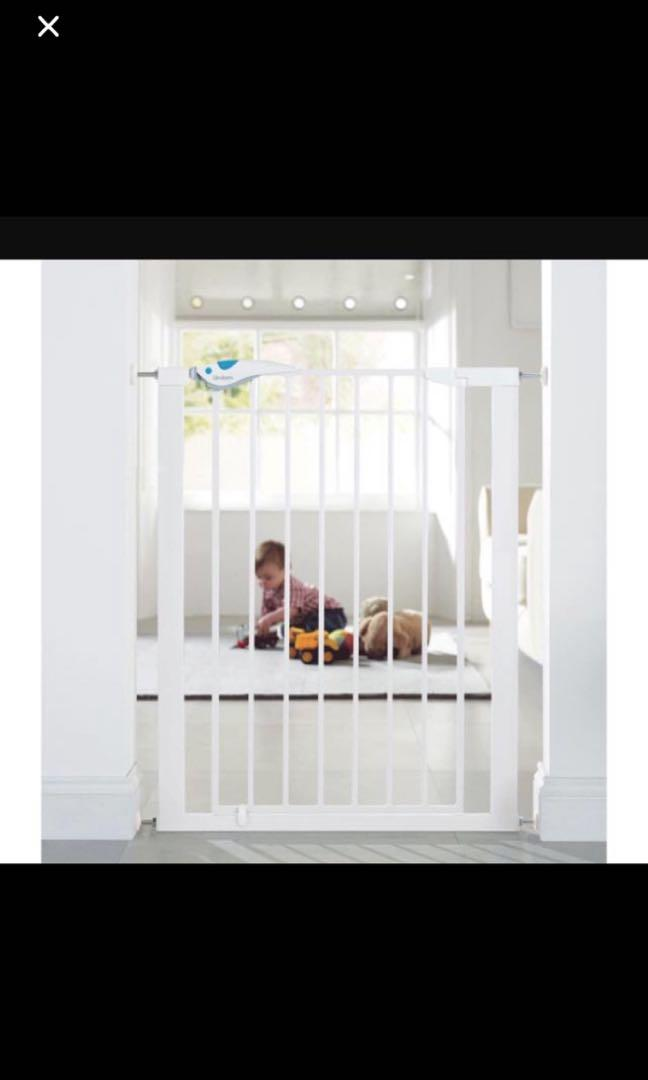 New Lindam child safety gate plus extension