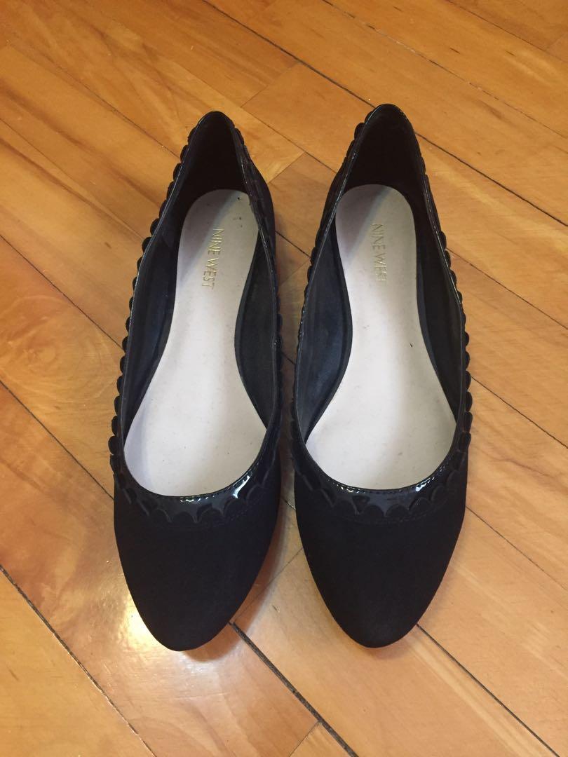 Nine West 黑色麂皮波浪娃娃鞋