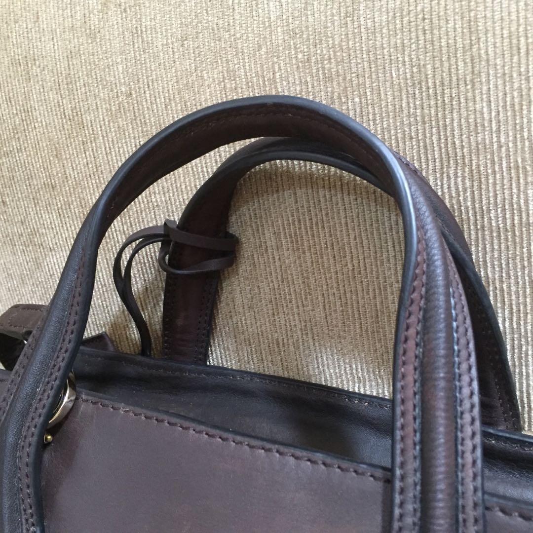 Tod's Sling Bag Tas Wanita Original Autentic Preloved Bekas Seken Second Murah Sale Promo Diskon Discount Genuine Leather Kulit Asli Branded