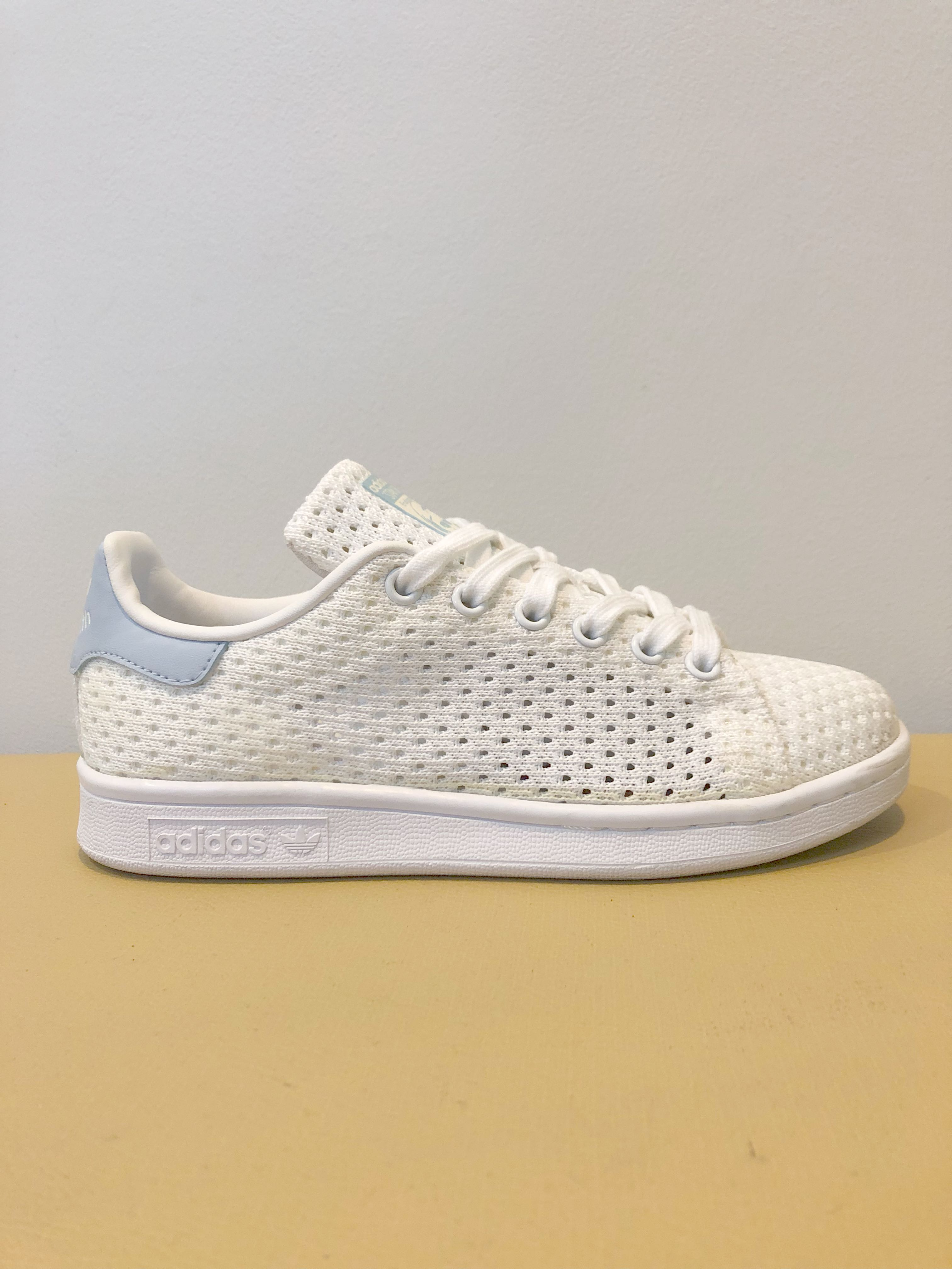US5 Adidas Stan Smith Knit Mesh in Baby