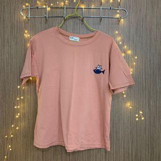 🚚 Pink shirt
