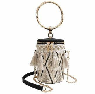 🚚 Round bag with tassels & sling chain
