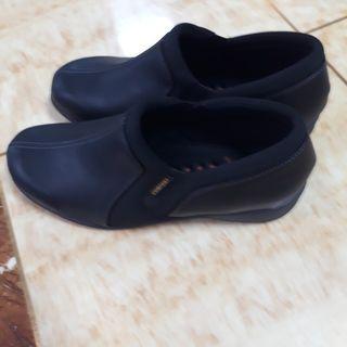 Pansy comfort EEE shoe size 25 colour black
