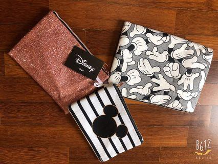 Mickey Pouch (typo)