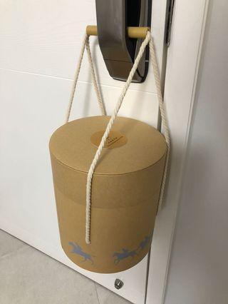 優質禮盒 (馬奔騰印花) Premium Paper Gift Box (horse racing printing)