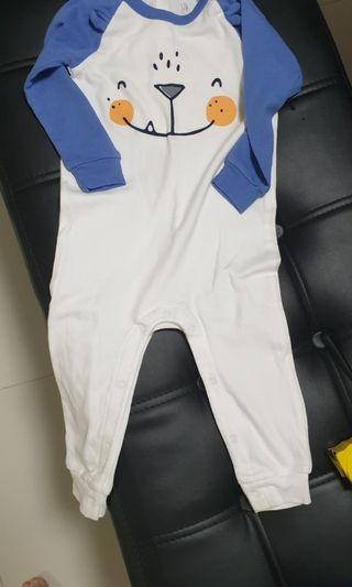 🚚 BN Gap baby onesie sleep suit 12 to 18 mths