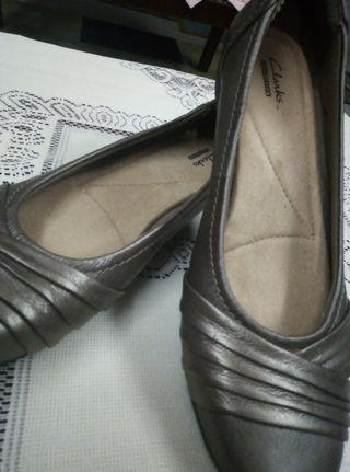 Clarks  Original London Flat Shoes use once