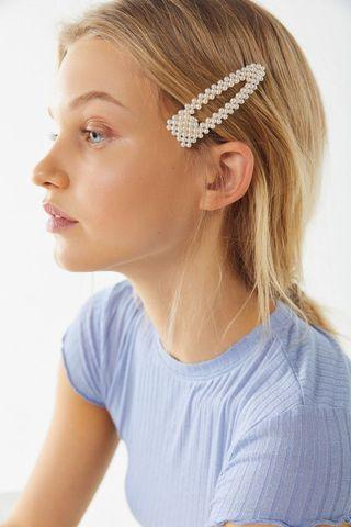 Urban outfitters trendy vintage pearl hair clips