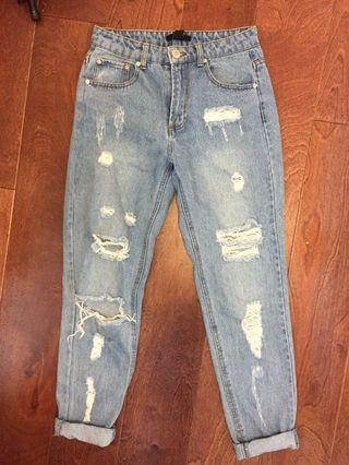 F21 Distressed Mom Jeans Size US 26