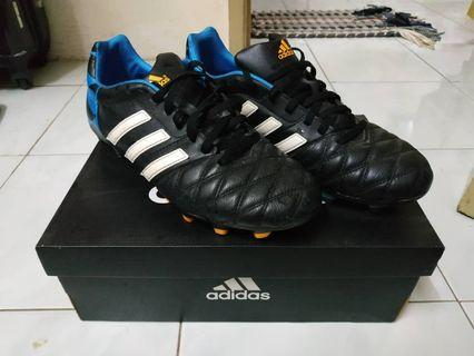 Kasut Boot Bola Adidas 11Nova FG UK9.5 / US10