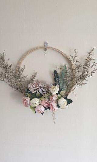 🚚 Hoop Bouquet for Wedding and ROM