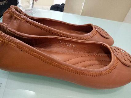 Sepatu flatshoes Tory bruch